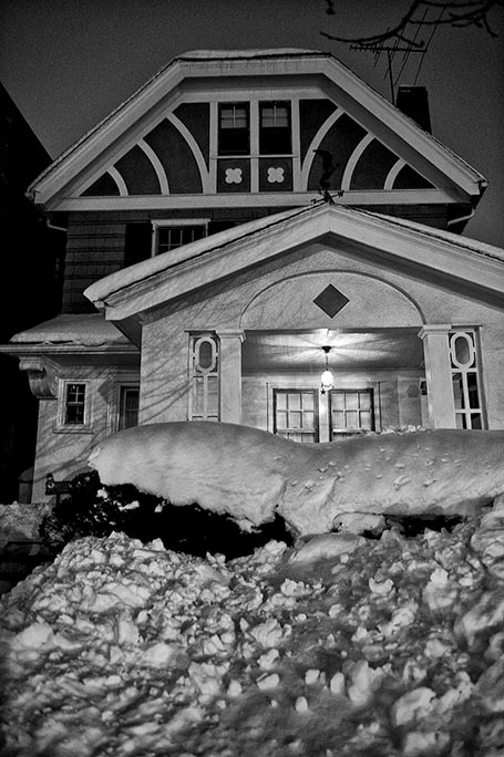 _DSC3220-house-and-snow-vertical