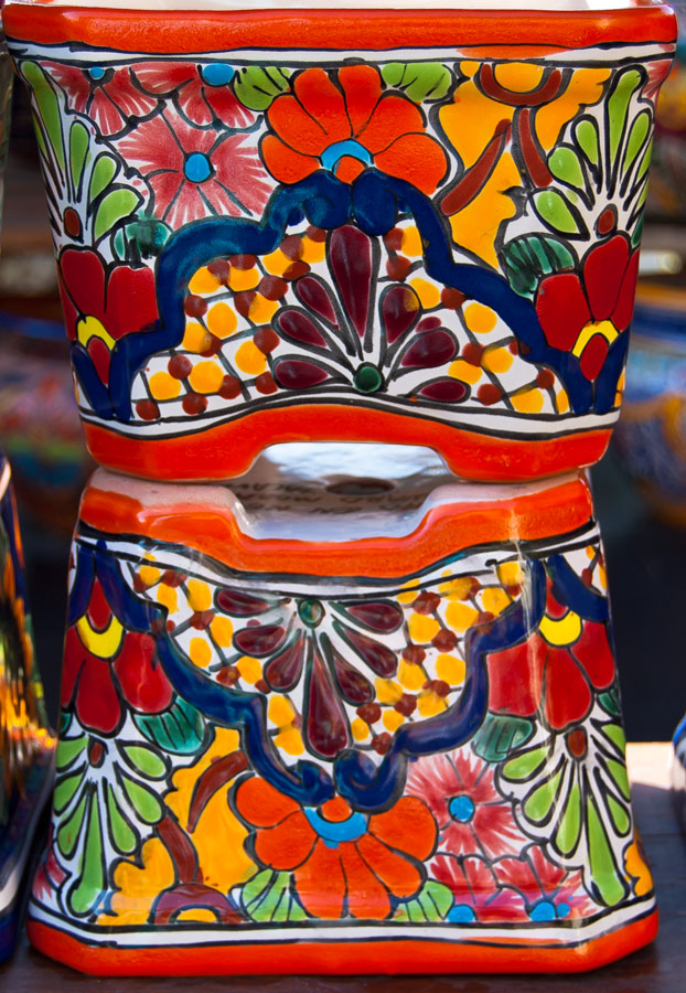 MexicanColoredPots_4374